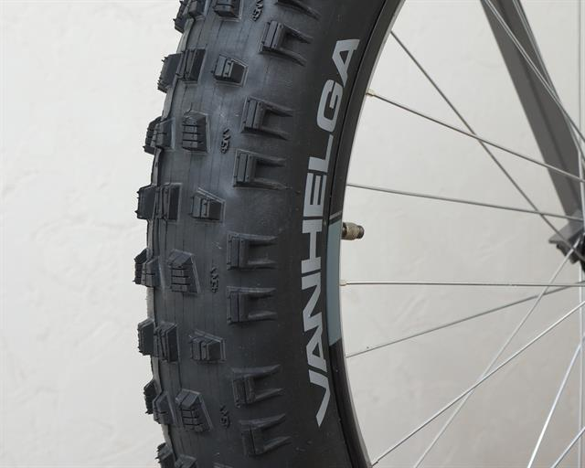 45NRTH Van Helga  fat bike tire on a rolling resistance test machine