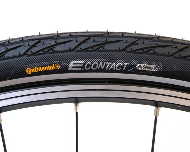 Continental E.Contact Touring/E-Bike on a rolling resistance test machine