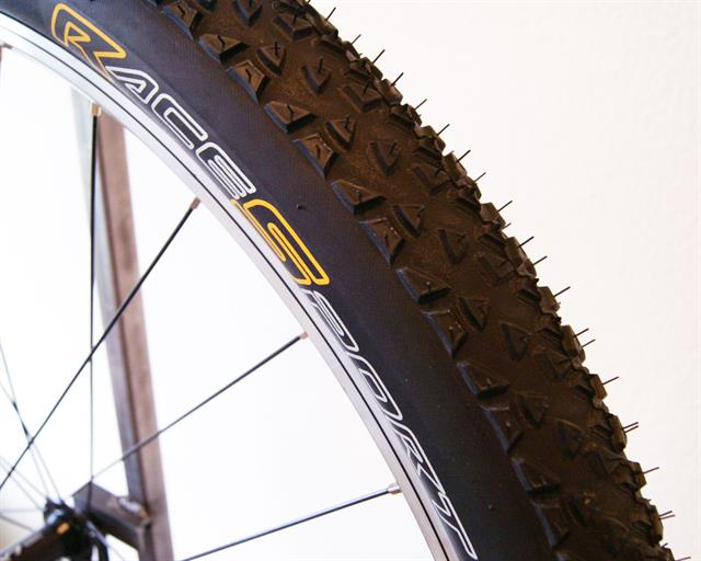 Continental Race King RaceSport Tubeless  mountain bike tire on a rolling resistance test machine