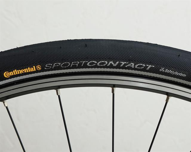 Continental Sport Contact II Touring/E-Bike on a rolling resistance test machine