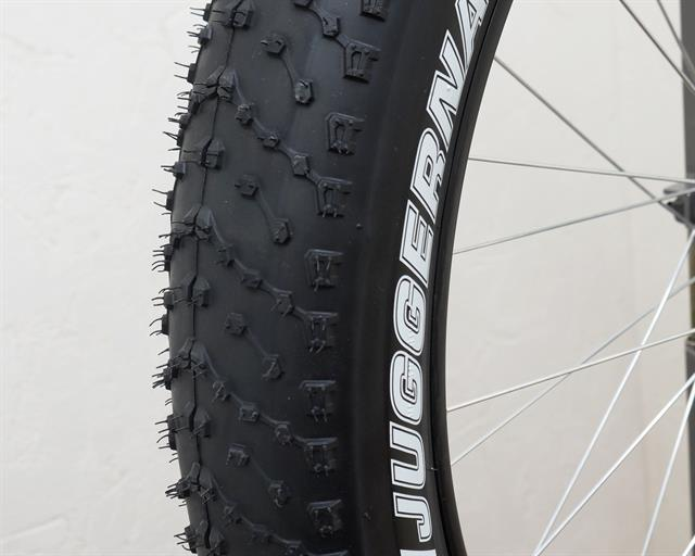 Kenda Juggernaut Pro  fat bike tire on a rolling resistance test machine