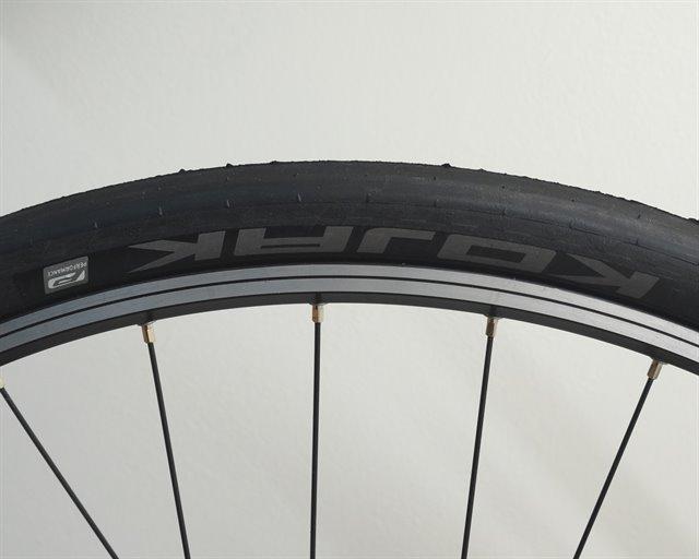 Schwalbe Performance Kojak Bike Tire 26 x 2.0