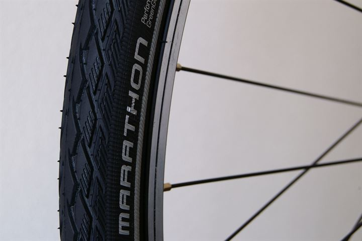 Schwalbe Marathon (GreenGuard) Touring/E-Bike on a rolling resistance test machine