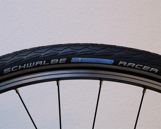 Schwalbe Marathon Racer Touring/E-Bike on a rolling resistance test machine