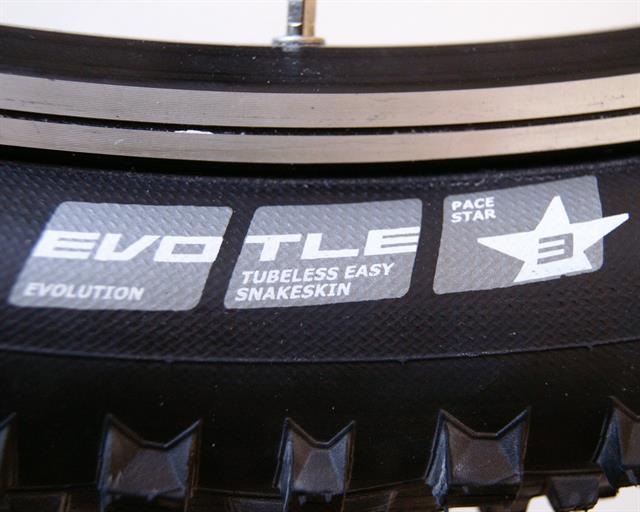 Schwalbe Racing Ralph TL-E PaceStar  mountain bike tire on a rolling resistance test machine