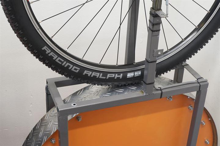 Schwalbe Racing Ralph 2019 TLE Addix Speed mountain bike tire on a rolling resistance test machine