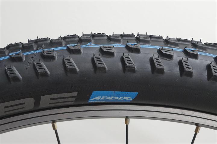 Schwalbe Racing Ray Tire 29x2.25 Folding Bead Evo Line Addix SpeedGrip Compound