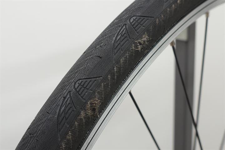 Worn Continental Grand Prix 4000S II - Closeup of tread and sidewall