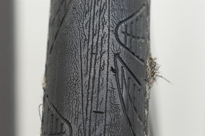 Worn Continental Grand Prix 4000S II - Closeup of sidewall bulge