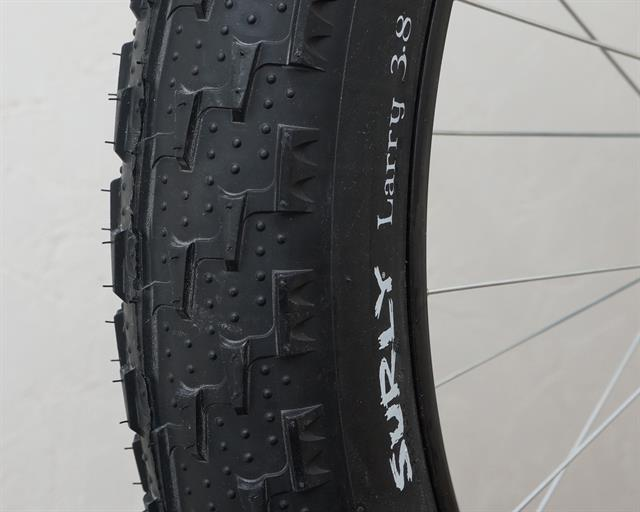 Surly Larry  fat bike tire on a rolling resistance test machine