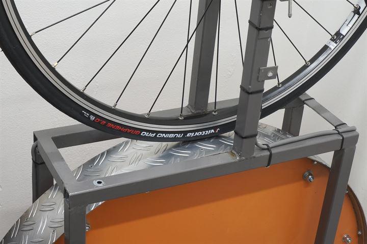 Vittoria Rubino Pro G+ 2.0 road bike tire on a rolling resistance test machine