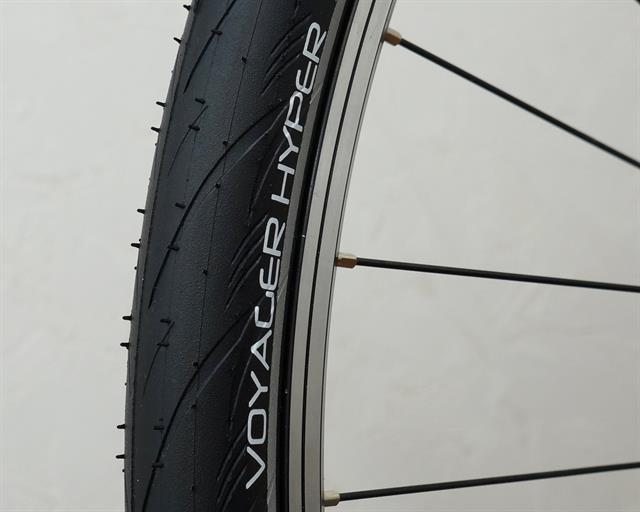 Vittoria Voyager Hyper Touring/E-Bike on a rolling resistance test machine