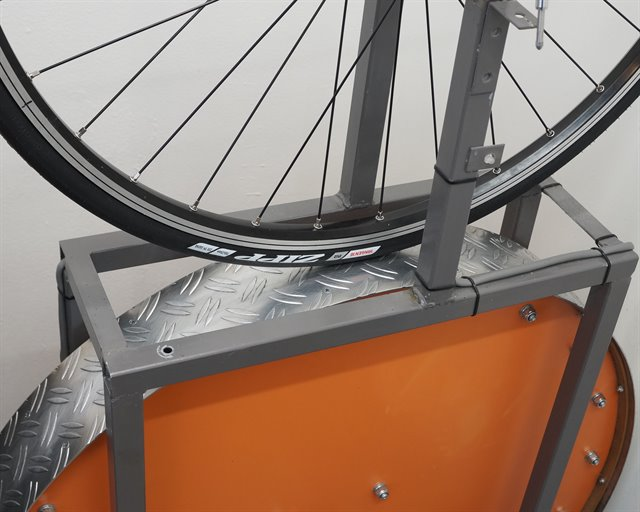 Zipp Tangente Speed road bike tire on a rolling resistance test machine